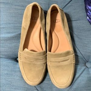 Ugg suede loafers with studded heel 6.5M